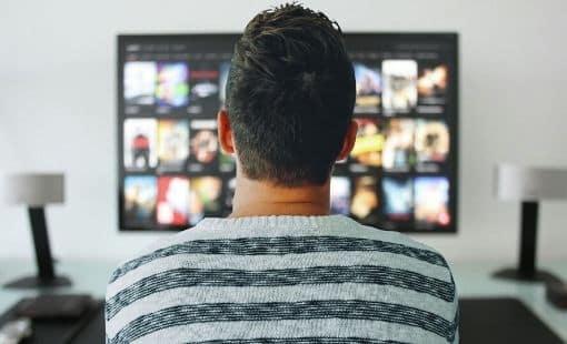 טלוויזיה בבידוד – הצצה לשירותי הטלוויזיה האינטרנטיים