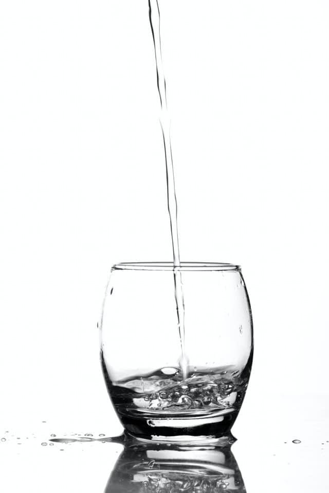 כוס עם מים